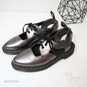 Dr. Martens Genna Cut-Out Oxford